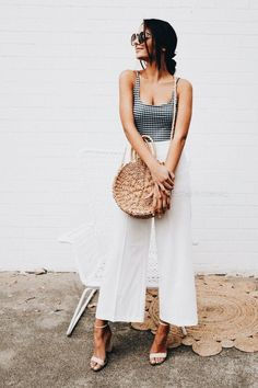 Straw bags, summer bags, summer style, summer fashion, wide leg pants, cullodes, checkered top, tank top, white heels, blogger style