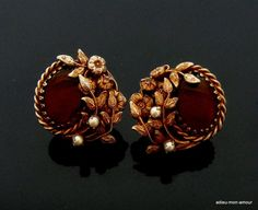 Antique Jewellery Designs, Fancy Jewellery, Gold Jewellery Design, Jewelry Design Earrings, Gold Earrings Designs, Gold Jewelry Simple, Stylish Jewelry, Schmuck Design, Vintage