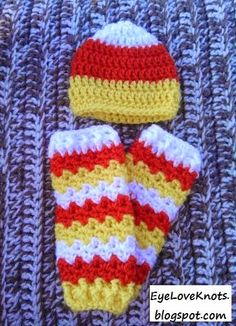 After working up the Candy Corn Colored Newborn Making Waves Legwarmers , I decided to make a matching candy corn colored hat to go with . Crochet Fall, Halloween Crochet, Holiday Crochet, Crochet For Kids, Free Crochet, Halloween Crafts, Crochet Preemie Hats, Newborn Crochet Patterns, Crotchet Patterns