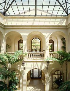 Beverly Park Mansion of Actor Eddie Murphy in Beverly Hills - interior courtyard