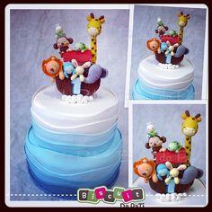 Bolo cenográfico e topo de bolo Arca de Noé #fakecake #bolofalso #biscuitdapati #biscuit #topcake #caketopper #topodebolo#arca #noé #arcadenoé   Flickr - Photo Sharing!