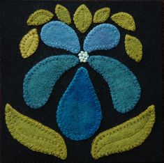 """Wool applique BOM PATTERN '/or KIT """"Orchid"""" block 1 of 24 in """"Four Seasons of Flowers"""" laine courtepointe table runner wall hanging quilt Motifs Applique Laine, Wool Applique Patterns, Applique Designs, Block Patterns, Pdf Patterns, Felt Embroidery, Felt Applique, Applique Quilts, Penny Rugs"""
