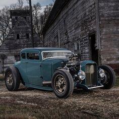utwo: 1930 Ford Modell A Custom © Barrett Jackson Ford 32, Car Ford, Models Men, Ford Models, Hot Rod Autos, Model A Rat Rod, Ford Classic Cars, Lifted Ford Trucks, Jackson