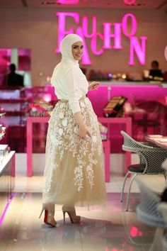 Hijab soiree outfits for women – Just Trendy Girls Hijab Evening Dress, Hijab Dress Party, Evening Dresses, Hijab Outfit, Muslim Fashion, Modest Fashion, Fashion Dresses, Modest Dresses, Nice Dresses