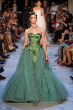 Zac Posen Spring 2013 RTW - Review - Fashion Week - Runway, Fashion Shows and Collections - Vogue - Vogue