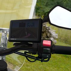 URBAN Diamond Garmin Nuvi GPS Motorcycle Mount for Mirror Stem (black) The most secure and versatile way to mount your Garmin Nuvi on a motorcycle! The Ultra-Sw