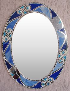 Oval mirror with blue glass edge and mirror Mosaic Flower Pots, Mosaic Pots, Mirror Mosaic, Mosaic Glass, Glass Art, Stained Glass Frames, Making Stained Glass, Mosaic Crafts, Mosaic Projects