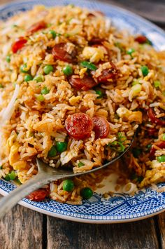 Chinese Sausage Fried Rice (Lop Cheung Chow Fan) - Koch- & Backrezepte, Tips und Tricks - Cuisine Wallpaper Food, Baking Wallpaper, Pasta Salad With Spinach, Arroz Frito, Masterchef, Cold Meals, Rice Dishes, Lunches And Dinners, Clean Eating Snacks