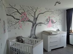 Me to You muurschildering van een volledige boom op 2 muren