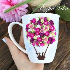 Mugs decorated with polymer clay - FImo DIY, polymer clay tutorials Cute Polymer Clay, Cute Clay, Fimo Clay, Polymer Clay Charms, Polymer Clay Projects, Clay Crafts, Polymer Clay Jewelry, Rock Crafts, Yarn Crafts