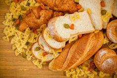 A Dieta Low Carb tem o objetivo principal de reduzir os carboidratos da dieta, aumentando proteína e gorduras boas. Veja lista de alimentos e cardápio