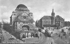 Alte Synagoge Essen (links) und alt-katholische Friedenskirche (rechts) (Wikipedia (PD))