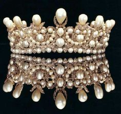 Ana Rosa, dollbaby-in-pearls:   French Empress Eugenie's...