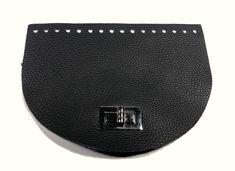 Fekete színű táska előlap forgócsattal Nike, Handmade, Hand Made, Craft