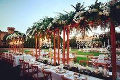 ¿Este año es vuestro año? Pues toma nota. Organizar una boda nunca es fácil, pero si quieres que la tuya sea de lo más original, echa un vistazo a las 5 tendencias en boda que pisan fuerte este 2017 👉 airolo.wordpress.com