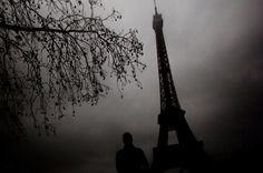 Eiffel Inquientante. Durante el invierno francés.