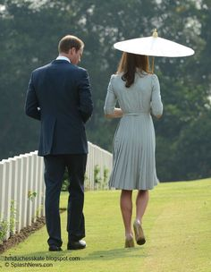 Duchess Kate: William and Kate Visit War Memorial For Final Singapore Engagement