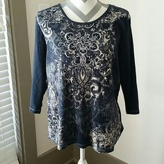 Dressbarn 3/4 Top Gently worn! Dressbarn top with lovely design. Tag says 1X, however it fits like a large. Dress Barn Tops