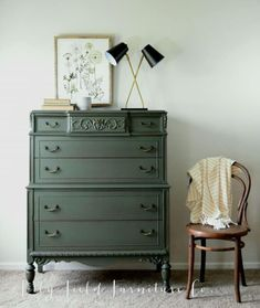Hands up if you love deep green tones for fall! Heidi from Lily Field Furniture chose our limited edition deep olive color called Woodland for this incredible, ornate dresser makeover! Green Painted Furniture, Refurbished Furniture, Repurposed Furniture, Shabby Chic Furniture, Furniture Makeover, Cool Furniture, Leather Furniture, Shabby Chic Dressers, Diy Dressers