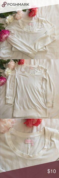Victoria's Secret White Sweater Tunic Dress In good condition. Cover Sweater dress. Size small Victoria's Secret Dresses
