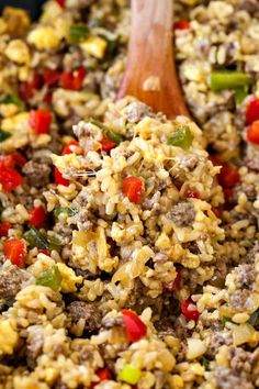 Dig deep into this Philly Cheesesteak Fried Rice! Beef, peppers and lots of cheese make this rice a favorite dinner recipe! Dig deep into this Philly Cheesesteak Fried Rice! Beef, peppers and lots of cheese make this rice a favorite dinner recipe! Steak Casserole, Casserole Recipes, Casserole Dishes, Beef Dishes, Rice Dishes, Hamburger Dishes, Main Dishes, Tasty Fried Rice Recipe, Ground Beef Fried Rice Recipe
