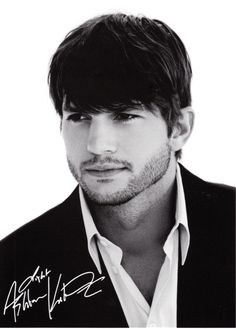 Ashton Kutcher - Photo FREEhttp://www.celebritymerch.com/Merchant2/merchant.mvc?Screen=CTGY_Code=Photo_Requests