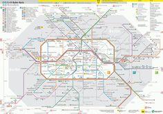 Mappa di U-Bahn di Berlino, Germania La metropolitana di Berlino (in tedesco Berliner U-Bahn) inaugurata nel 1902, aggiornata in modo permanente quasi fino al 2009. La costruzione di questo sistema è stata influenzata da eventi storici quali la Prima e la Seconda Guerra Mondiale,