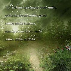 """""""Parhaat opettajat ovat niitä, jotka kertovat mihin suuntaan sinun tulisi katsoa mutta eivät kerro, mitä sinun tulisi nähdä."""" #ajatus #ajatelma #mietelause #päivänmietelause #mietelausepäivässä #unelma #unelmat #unelmattoteutuu #Unelmaonnellisuudesta #onnellisuus #onni #unelmatyö #unelmaduuni #jahtaaunelmiasi Finnish Words, Words Quotes, Sayings, Wisdom, Education, Learning, Instagram Posts, Finland, Life"""