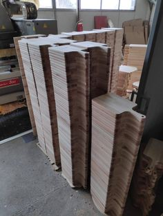 Wholesale cutting boards with handle for logo laser engraving, promotional gifts, promotional items, corporate gifts, branding Diy Cutting Board, Engraved Cutting Board, Personalized Cutting Board, Branding, Gravure Laser, Laser Engraved Gifts, Real Estate Gifts, Wood Burning Crafts, Diy Wood Signs