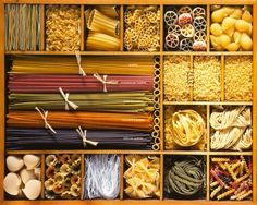 Pasta italianas fotos 59 Ideas for 2019 Types Of Noodles, Pasta Types, Pasta Shop, Pasta Bar, Spinach Pasta Sauce, Parmesan Soup, Pasta Casera, Lotsa Pasta, Salmon Pasta
