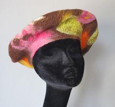 Béret femme en laine feutrée par AtelierNicomy sur Etsy