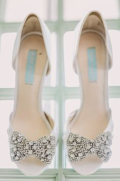 Sparkly shoes for dancing | Photography: Luxe Photography - photographyluxe.com Read More: http://www.stylemepretty.com/2015/02/23/romantic-outdoor-art-museum-wedding/