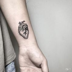 tattoo heart anatomical line - Buscar con Google