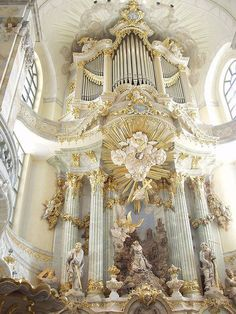 The organ in the Lutheran church in Dresden Frauenkirche, Dresden; the capital of the German state of Saxony.