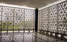 80 Stunning Privacy Screen Design for Modern Home Architecture Courtyard, Mosque Architecture, Religious Architecture, Residential Architecture, Architecture Design, Screen Design, Motifs Islamiques, Architectural Elements, Building A House
