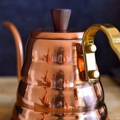 HARIO V60 BUONO COPPER KETTLE // For more coffee inspirations from Japan visit www.kurasu.me Kettles, Copper, Japan, Inspiration, Instagram, Decorating Staircase, Vacation, Objects, Home