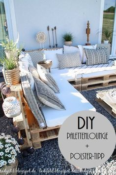 After 5 years it is finally here - the pallet lounge - lady-stil.de - Build your own pallet lounge, decorating ideas for the terrace and garden, Best Picture For decor - Pallet Lounge, Pallet Sofa, Pallet Couch Outdoor, Pallet Bank, Pallet Benches, Wood Pallet Couch, Pallet Seating, Pallet Walls, Pallet Tv