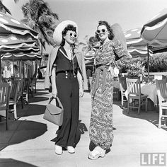 Vintage Fashion | 1940s Fashion Inspiration... The shoes the gal on the right is wearing are still in style today :)