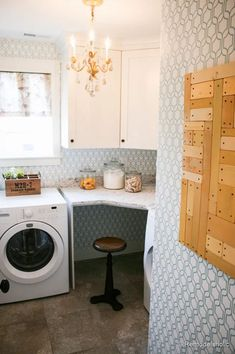 Beautiful wallpapered glam laundry room with small desk spot. Fabulous Laundry room design ideas from @Remodelaholic #laundryrooms #smalllaundryroom  #laundryideas Room Design, Laundry Mud Room, Home, House Rooms, Laundry Room Design, Remodelaholic, Room Remodeling, Room Closet, Laundry
