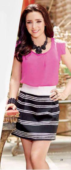 Ariadne Diaz luce falda corta a rayas. ¿Te gusta su look? Ariadne Diaz, Moda Club, Venus, Outfits, Celebrities, Skirts, Clothes, Style, Fashion