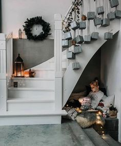 Real Living STHLM в Instagram: «The Christmas preps here at home is at it's peak today. Oh how we long for Santa now!🎅🏻🎄 #reallivingsthlm #christmas #decoration…» Diy Advent Calendar, Christmas Decorations, Holiday Decor, Fiat 500, Interior Inspiration, Creations, Villa, Stairs, Xmas