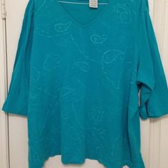 Turquoise embroidered tee w/ 3/4 sleeves Turquoise embroidered tee, 26/28, 3/4 sleeves White Stag Tops Tees - Long Sleeve