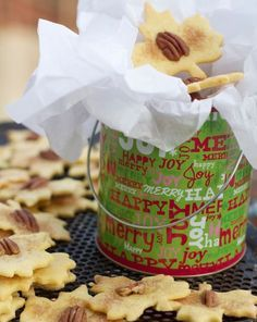 Pennsylvania Dutch Sand Tarts, Amish Christmas Cookie by angela roberts Amish Cookies, Dutch Cookies, Amish Recipes, Old Recipes, Cookie Recipes, Sand Tarts, Pennsylvania Dutch Recipes, Cranberry Salsa, Holiday Recipes