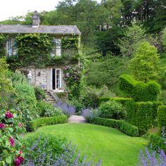 Topiaire - jardin Gresgarth Hall - Arabella Lennox-Boyd's