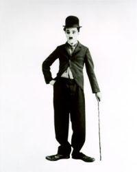 """""""Todos somos aficionados. La vida es tan corta que no da para más.""""  Charles Chaplin"""