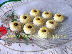 Žloutková očka Christmas Cookies, Pineapple, Muffin, Sweets, Baking, Fruit, Breakfast, Cake, Recipes