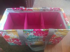 The Large Utility Tote with 3 Fold-N-Files | Thirty One is a company offering purses, totes, and all kinds of home storage and organizing products. Contact me for more information. | www.mythirtyone.com/aswebb