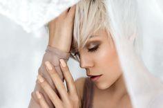 Mit @miri_be_  #Fotograf #miribe #miribemodel #Model #portrait #portraiture #photography #portraitmood #photographer #blonde #blondehair #shorthair #shooting #uncoveredmagazine #portraitmode #dynamicportraits #instagram #fashion #Schleier #sigmaart #sigmaart35mm #topthatpose #Erfurt #color #modeling #fotoshooting #fotografie #canon6d http://butimag.com/ipost/1492192048466505206/?code=BS1VMMZgi32