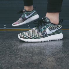 Nike Roshe One Multicolor Flyknit Sneakers •Multicolor Roshe One Flyknit Sneakers   •Women's size 6, runs a half size large so will be best for a 6.5.   •New in box (no lid). NO TRADES/PAYPAL. Nike Shoes Sneakers