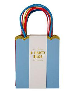 Give aways super schön und schnell eingpackt! Die kleinen Täschchen kommen 8x bunt im Set sortiert. Weitere schöne Produkte von MERI MERI zum Thema Partyartikel finden Sie hier. Stöbern Sie in unserer Kategorie Accessoires und lassen Sie sich inspirieren.